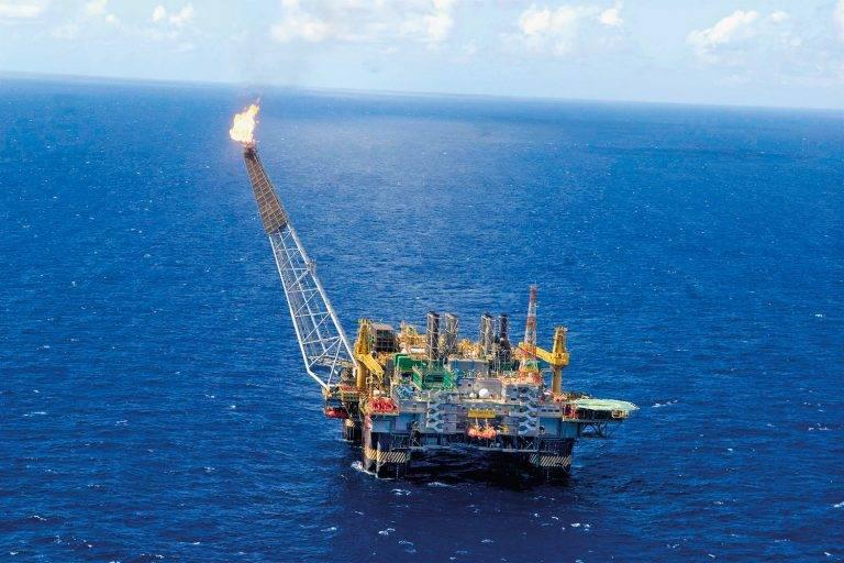 Convênio autoriza o Estado do Rio de Janeiro a reduzir juros e multas sobre débitos tributários de petroleiras e produtoras de gás natural